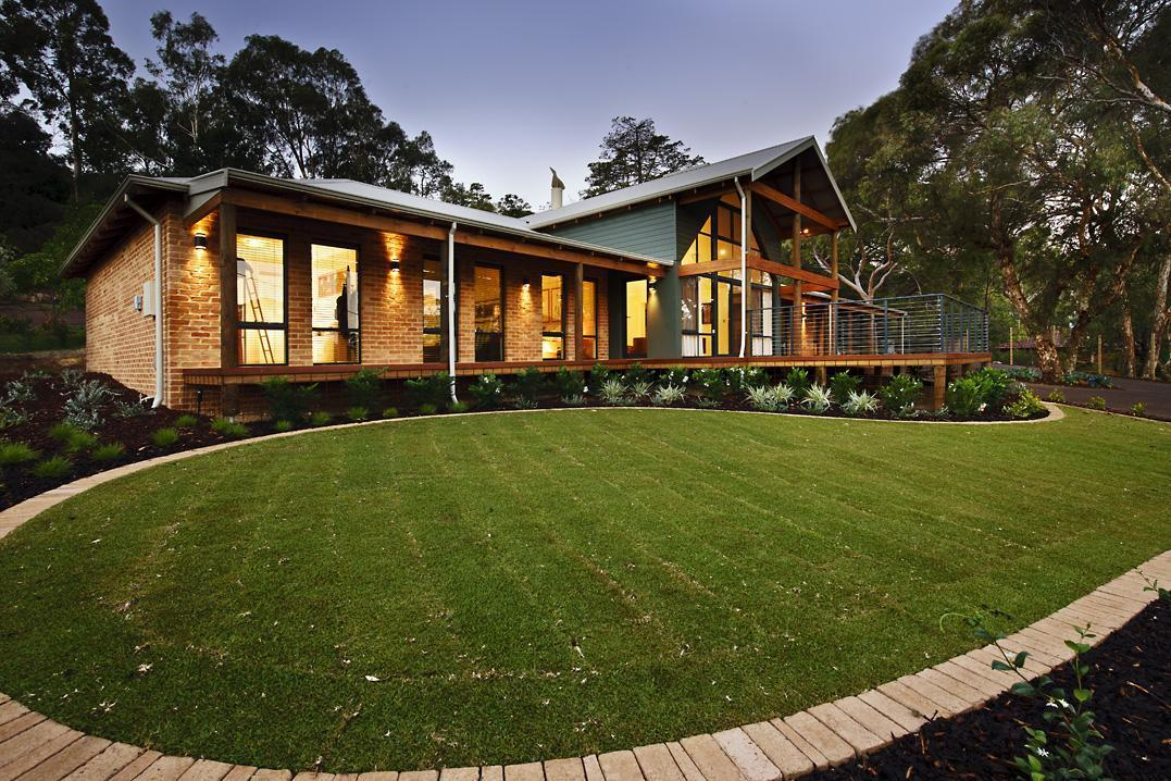 5 tips for a low maintenance garden the rural building co for Classic home designs australia