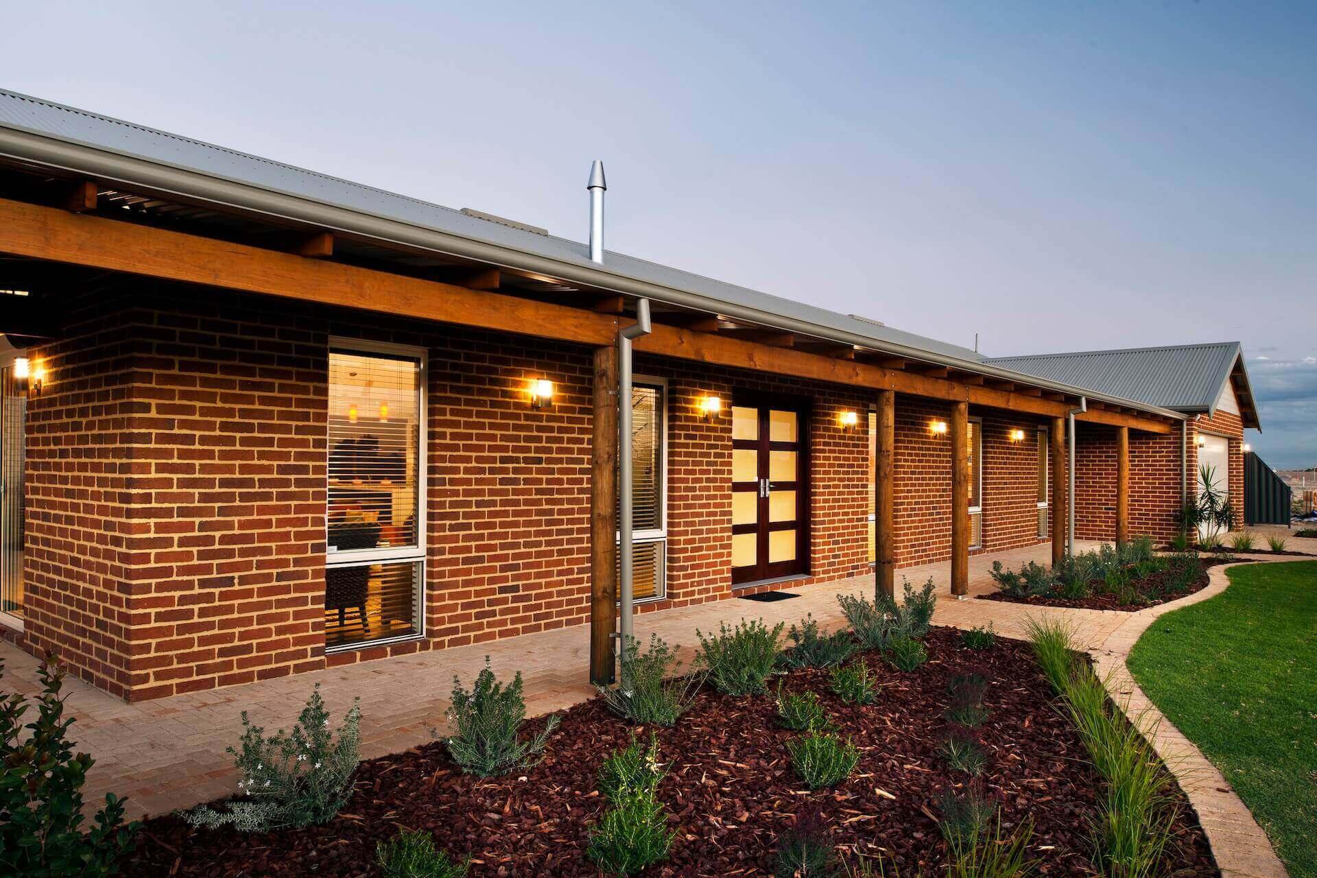 Rural Building Co - House exterior with garden